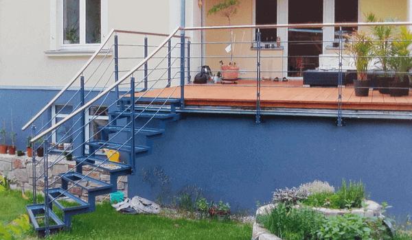 Treppe im Gartenbereich - Metallbau Hofbauer